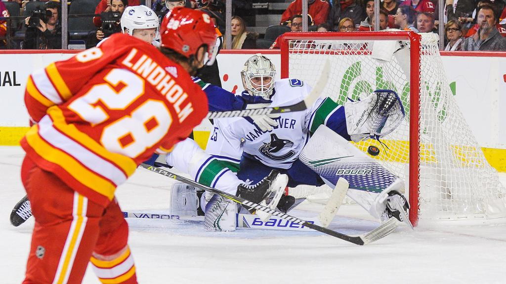Vancouver Canucks At Calgary Flames Game Pick Preview 12 29 19