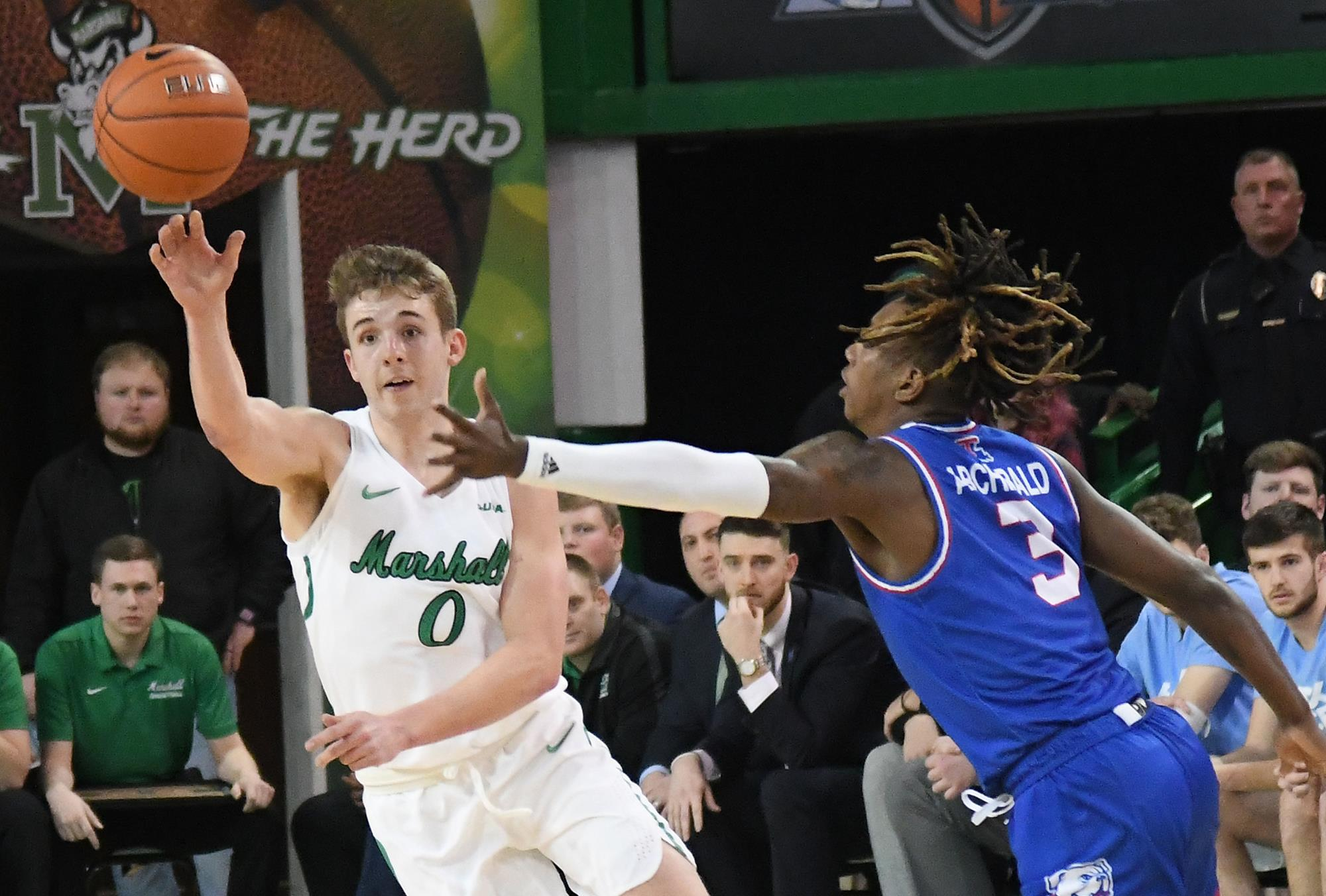 Marshall Thundering Herd at UTSA Roadrunners 02/13/20 Odds Pick & Prediction